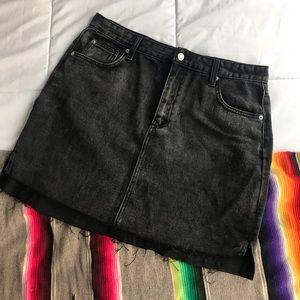 black denim mini skirt 🖤